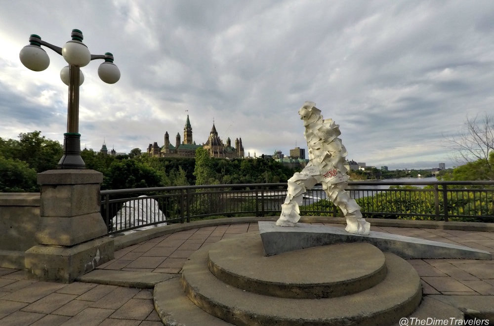 Ottawa Parliament Hill View from the back, Paper Man Statue